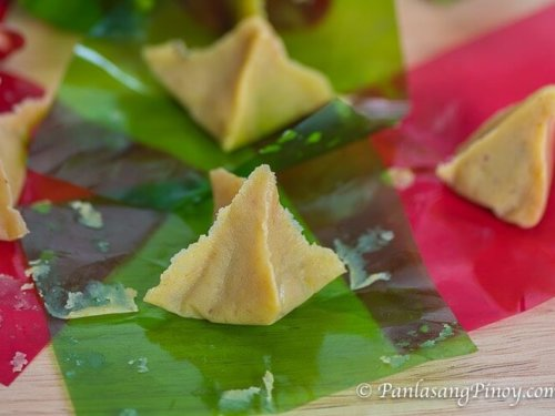 This image has an empty alt attribute; its file name is How-to-Make-Yema-Triangle-Panlasang-Pinoy-500x375-1.jpg
